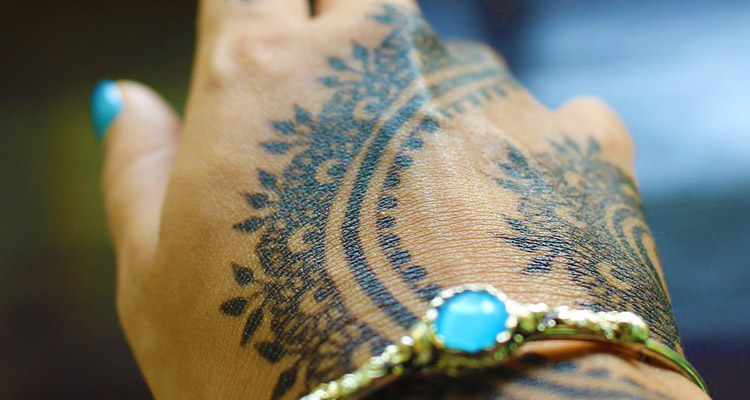 How Long Does Henna Last?